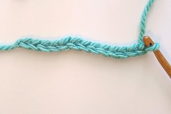 Image showing 13 chains to begin working the Crochet Moss Stitch