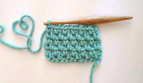 Crochet Moss Stitch after a few rows, following tutorial