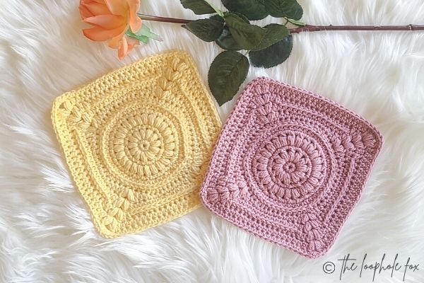 Crochet Washcloth Pattern shown in 2 colors, laying next to each other